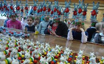 Школьные экскурсии на фабрику деревянных игрушек